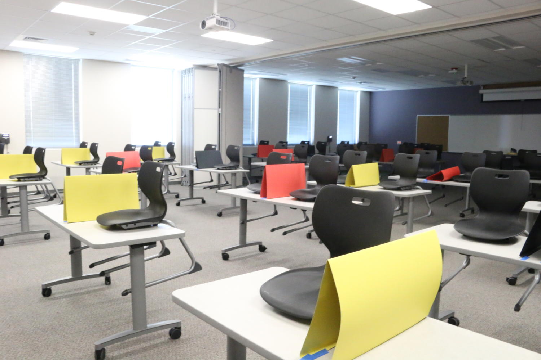 Staff+Stance%3A+School+lacks+decoration